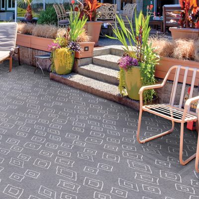 light grey and white pattern outdoor rug