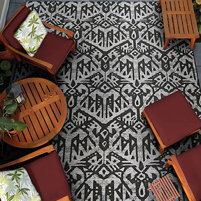 geometric pattern area rug