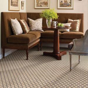 diamond pattern rug in dining room