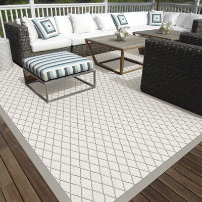 light grey pattern indoor/outdoor rug